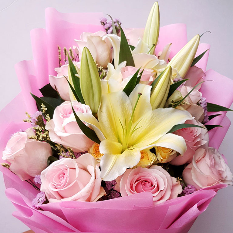 1-doz-Pink-Roses-with-Lilies