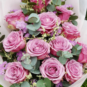 1-doz-Purple-Roses-Bouquet