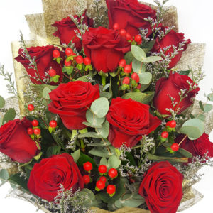 1-doz-Red-Ecuador-Roses-Bouquet