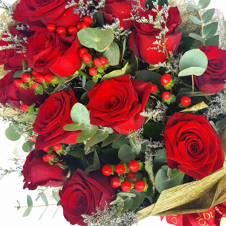 1-doz-Red-Roses-Bouquet