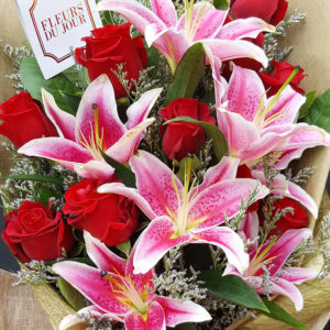 1-doz-Red-Roses-with-Lilies-Bouquet
