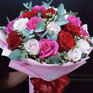 3-doz-Mixed-Roses-Bouquet
