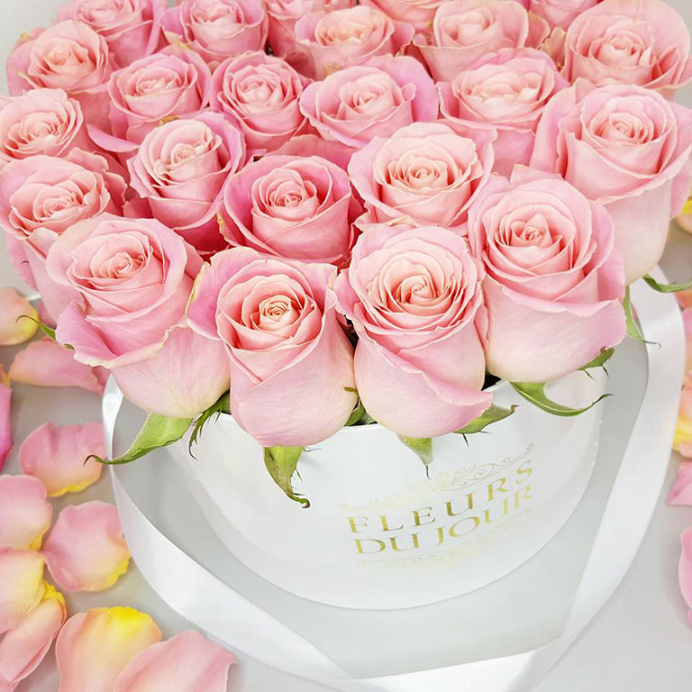 Large-Luxury-Box-of-Salmon-Roses