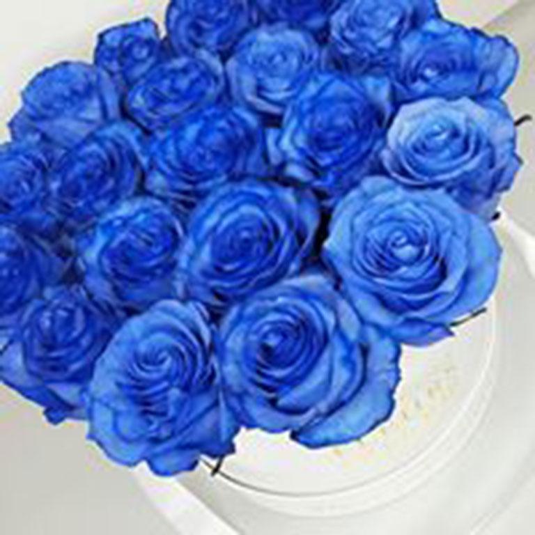Large-Luxury-Box-with-Blue-Roses