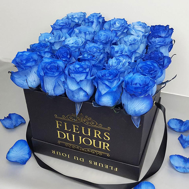 Large-Luxury-Box-with-Blue-Roses-Black-Box