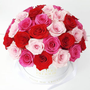 Large-Luxury-Box-with-Dome-Blue-Mixed-Roses