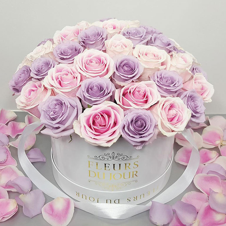 Large-Luxury-Box-with-Dome-Roses