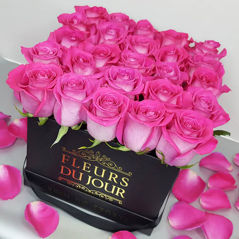 Large-Luxury-Box-with-Fuchsia-Roses-Black-Box