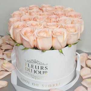 Large-Luxury-Box-with-Peach-Roses