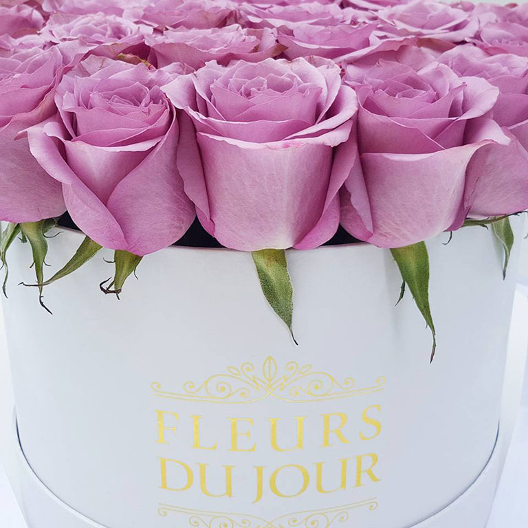 Large-Luxury-Box-with-Purple-Roses