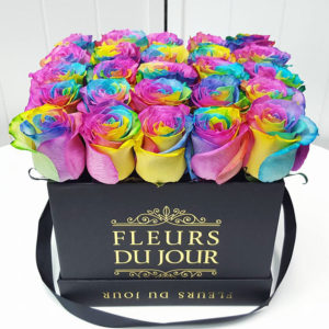 Large-Luxury-Box-with-Rainbow-Roses