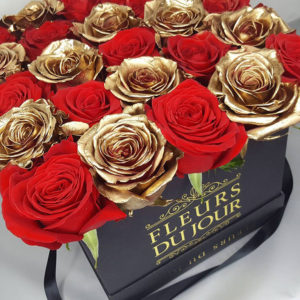 Large-Luxury-Box-with-Red-&-Gold-Roses