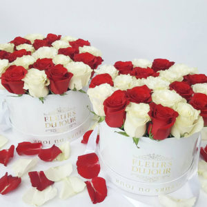 Large-Luxury-Box-with-Red-&-White-Roses