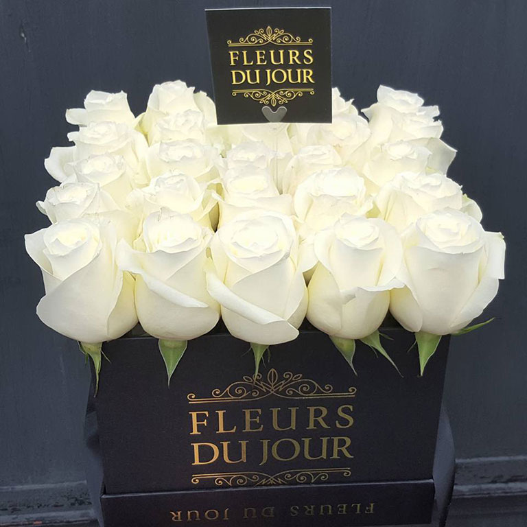 Large-Luxury-Box-with-White-Roses