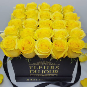 Large-Luxury-Box-with-Yellow-Roses