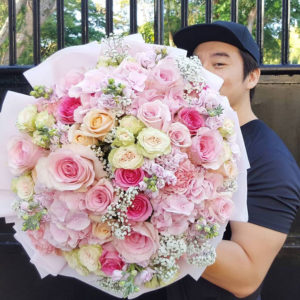 Premium-flowers-Giant-Bouquet