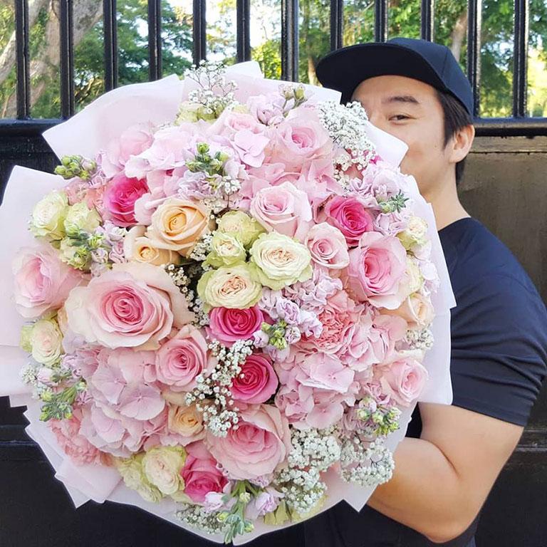 Premium-flowers-Giant-Bouquet