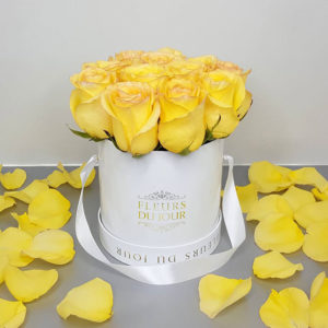 Small-Luxury-Box-with-Yellow-Roses